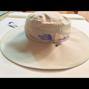 NORTHFACE HAT LARGE BRIM BREATHABLE RIPSTOP NWT!
